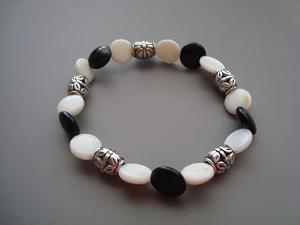 Black & White Coin Bead Bracelet
