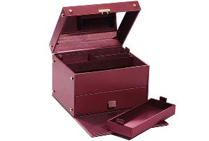 Bobbi Brown Deluxe Beauty Trunk ($350)