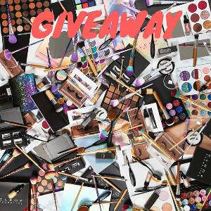 Cleof Cosmetics Gift Card Giveaway!