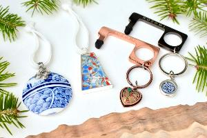 Enter to win beautiful Christmas ornaments & keychains handmade with love from Nozomi Project – a social enterprise that empowers women in need.- 4 winners!