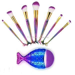 makeup brushes and lashes