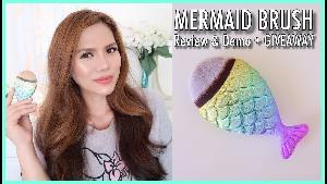 MERMAID BRUSH + Assorted Beauty Products