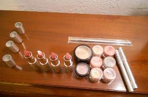 Monave Mineral Makeup Holiday Glam ($195) Giveaway
