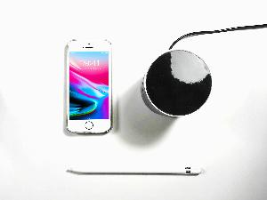 MusiQi Wireless Charger & Speaker