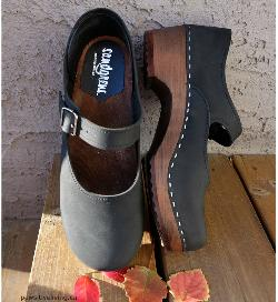 Sandgrens Mary Jane Clogs Giveaway