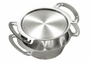 SolidTeknics 3QT Noni Stainless Steel Dutch Oven Giveaway