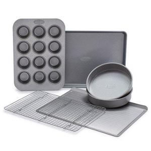 Sur La Table 6-Piece Bakeware Set