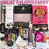 ►☺◄ For Glamorous Women - huge of cosmetics Giveaway!