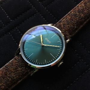 Vario Eclipse sweeping quartz watch in emerald green dial