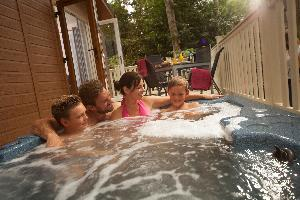 Weekend Break for up to 6 people in Shorefield Country Park!