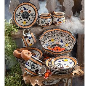 Win a Halloween Pottery Set from Uno Alla Volta!