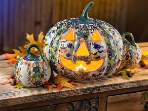 Win a Halloween Pottery Set from Uno Alla Volta!!!