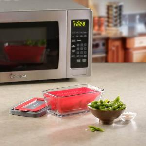 WIN: MAGIC CHEF MICROWAVE COOKWARE