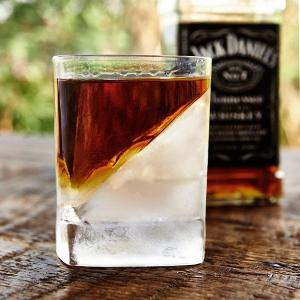 Win New +8Pack Whiskey Wedge + Glass