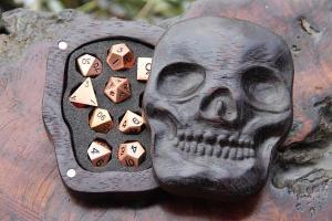 Wooden Skull Case With Set Of Rose Gold Dice